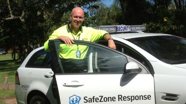UOW Security staff with vehicle
