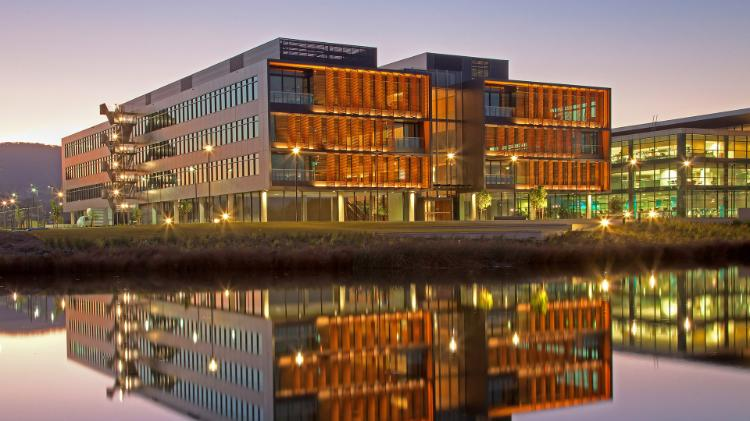 Commencing Students Offshore Bursary at University of Wollongong, Australia