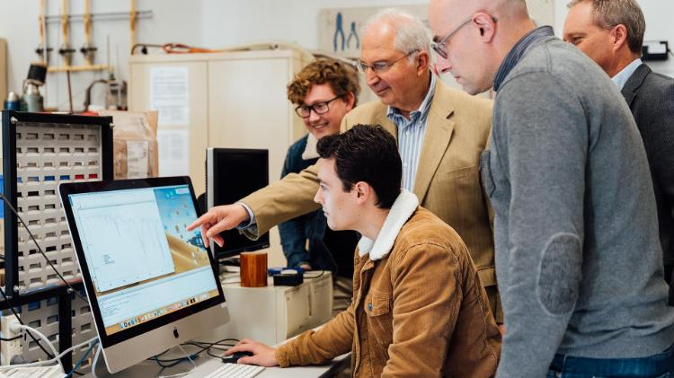 UOW NSQN leads Marco Petasecca, Anatoly Rozenfeld and Michael Lerch from the Centre for Medical Radiation Physics (CMRP) with Physics students